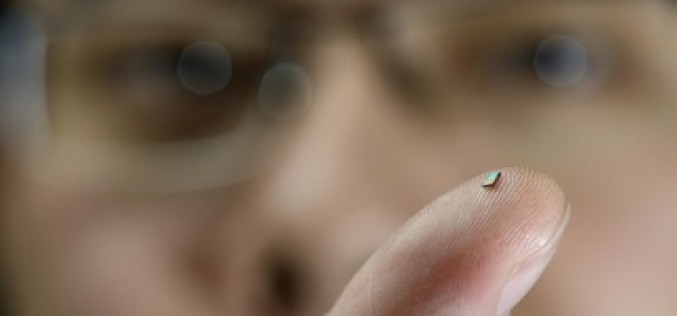 Tiny wireless sensor never needs a battery